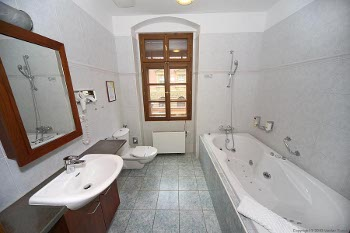bathroom of the suite no.3