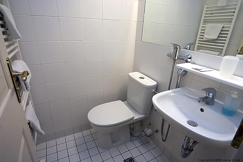 Hotel u suteru in prague for Bathroom ideas malaysia