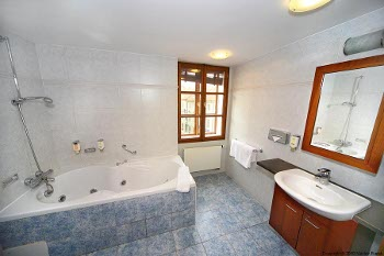 bathroom of the suite no.7