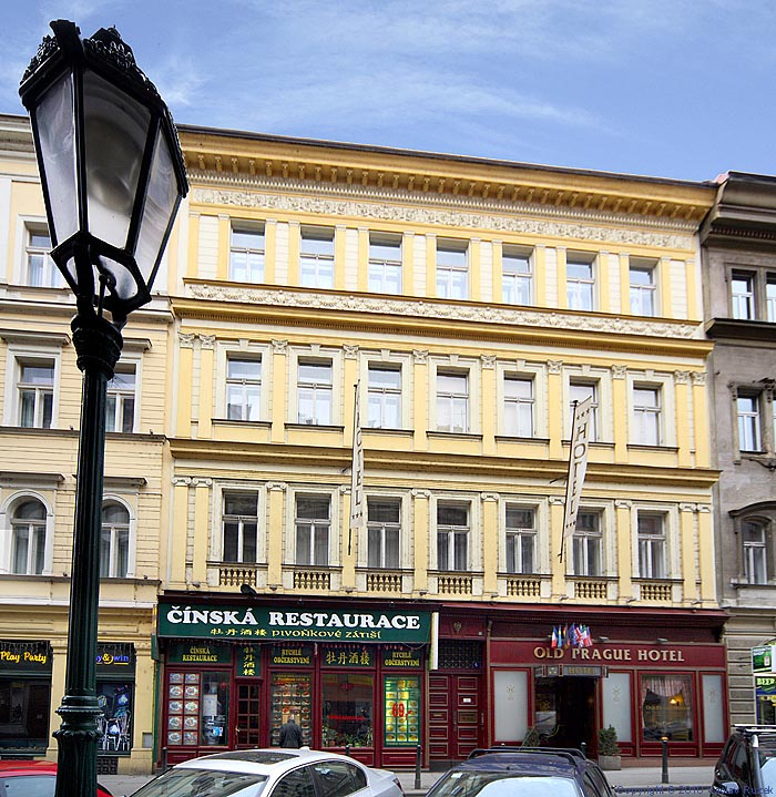 Old prague hotel in prague for Hotels near old town square prague