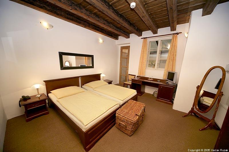 Hotel at the three drums en praga for 2 piani da 2 camere da letto con vasca da bagno